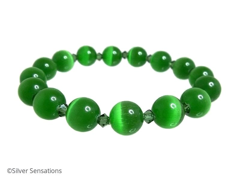 Chunky Emerald Green Cat's Eye Beaded Bracelet with Swarovski Crystals