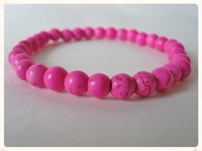 Hot Pink Howlite Turquoise Beaded Fashion Bracelet