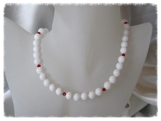 Snow White Agate & Opaque Red Swarovski Crystals Sterling Silver Necklace